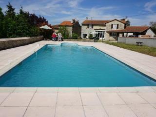 Villa with pool - Mansle vacation rentals