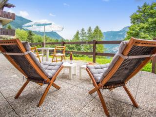 Apartment in Valtournenche, Italy, with terrace and stunning mountain views - Valtournenche vacation rentals