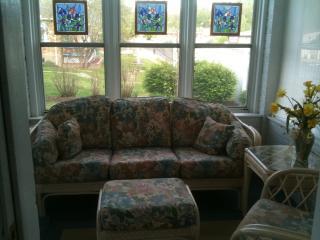 Brick Bungalow Guest Haus - Hermann vacation rentals