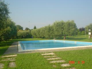 Gardasee Pretty House - Padenghe sul Garda vacation rentals