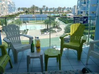 Luxueux appartement en bord de mer (wifi, garage) - Roquetas de Mar vacation rentals