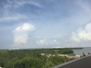 Great Condo with view to the lagoon - Cancun vacation rentals