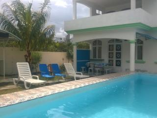 villa  with  pool in quiet region at lowest  price - Grand Baie vacation rentals