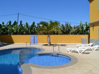 Modern coastal apartment in La Palma, Canary Islands, w/ 2 bedrooms, pool, sea- and mountain views - Tazacorte vacation rentals
