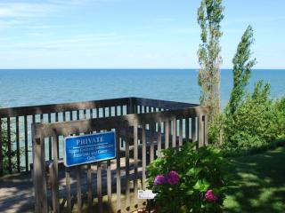 Cozy Cottage with Private Beach Access - South Haven vacation rentals