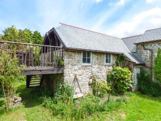 THE GARDEN STUDIO, woodburner, pet-friendly, patio, WiFi, Mabe, Ref 923915 - Constantine vacation rentals