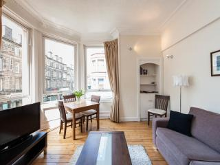 Rossie Apartment, 2 Bed, Sleeps 6, Central - Edinburgh vacation rentals