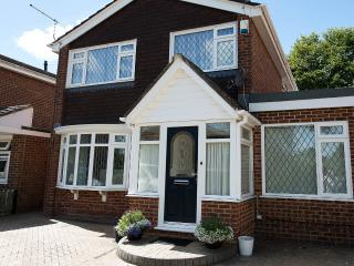 Bournemouth detached Holiday House - Bournemouth vacation rentals