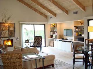 Rancho Mirage 1 Bedroom/2 Bathroom Condo (050RM) - Rancho Mirage vacation rentals