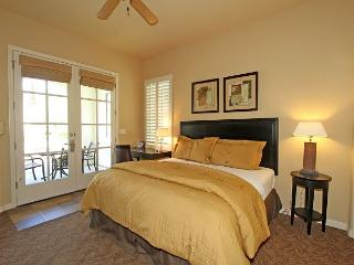 Downstairs Studio Opening to a Private Fountain Close to the Fitness Center! - La Quinta vacation rentals