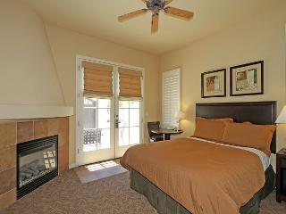 Downstairs Two Bedroom Villa a Short Walk to the Kids Pool and Fitness Center - La Quinta vacation rentals