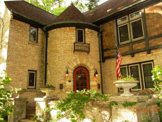 Lake Michigan Tudor - Milwaukee vacation rentals