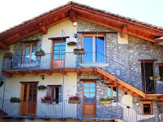 Antico Albergo dell'Angelo e del Buon Vino - Prazzo vacation rentals