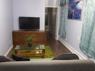 2 bedroom Apt 15min to NYC - Queens vacation rentals