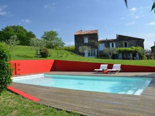 Large art house in the Ardeche, with swimming pool and garden - 20min from Montélimar! - Saint-Lager-Bressac vacation rentals