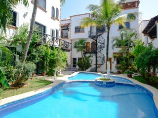 Great located 1-bdr condo, 1,5 block from beach - Playa del Carmen vacation rentals