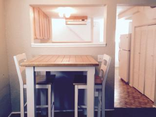 Comfortable, cozy and centrally located apartment - Tacoma vacation rentals
