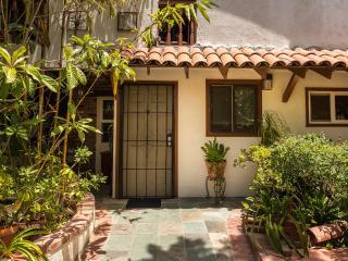 Cozy Comfortable Studio - By Occidental & Pasadena - Los Angeles vacation rentals