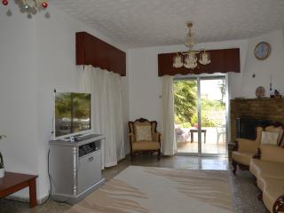Room in a villa near the beach and 5 * hotels. - Kyrenia vacation rentals