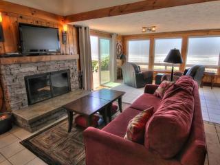 Heron Song:  5-star Reviews! Hot Tub! Oceanfront! - Yachats vacation rentals