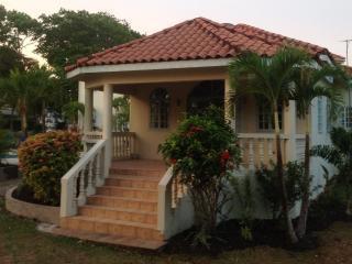 Sea Rose Villa - Runaway Bay vacation rentals