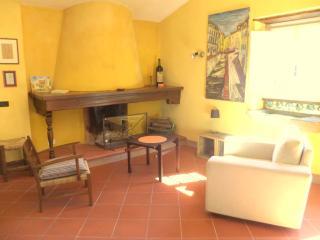 Camere in antico mulino a 30 minuti da Lucca - Borgo a Mozzano vacation rentals