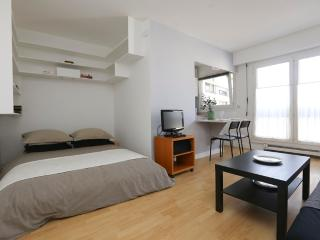 Attractive large studio 2 beds – Oberkampf P11 - Paris vacation rentals