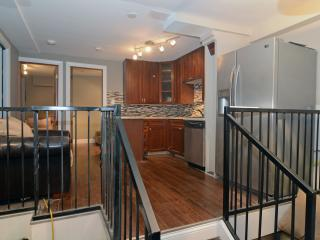 4 Bedroom 2 Bath 1239 W Ohio St Chicago Noble Sq - Chicago vacation rentals