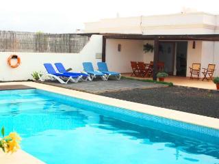 VILLA RUWAPA IN PLAYA BLANCA FOR 6P - Playa Blanca vacation rentals