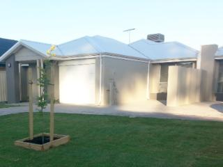 Lakelands Holiday Home - Mandurah vacation rentals