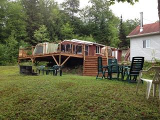 Chalet au Lac Blanc - Saint-Ubalde vacation rentals