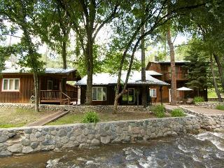 River Bend Lodge is a five bedroom located right on the Rio Ruidoso. - Ruidoso vacation rentals