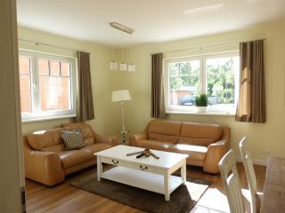 VILLA MEERBLICK Wohnung 1 - Scharbeutz vacation rentals