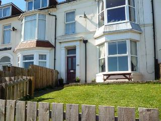 BAY VIEW APARTMENT, pet friendly, with a garden in Hornsea, Ref 923799 - Hornsea vacation rentals