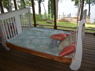 Lake House Near Tuscumbia, AL On Pickwick Lake - Tuscumbia vacation rentals