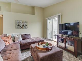 Pet-friendly home w/fenced yard; space for 7 - Boise vacation rentals