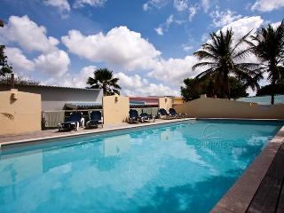House Casa Gris - With ocean view and communal pool at Caribbean Club - Kralendijk vacation rentals
