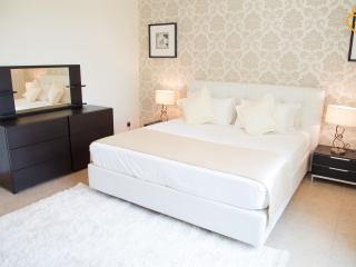 Al Dabas 2 bed road view - Palm Jumeirah vacation rentals