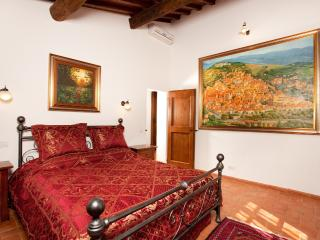 La Mucchia Vacation farmhouse charming studio - Cortona vacation rentals