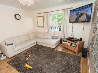Cozy Zone 2 Chill Pad; 5 mins from London Bridge - London vacation rentals