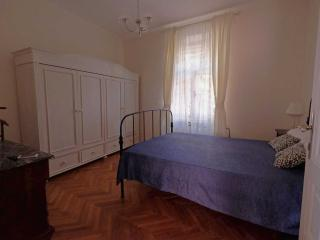 MIMOSA double bedroom with private bathroom - Pula vacation rentals