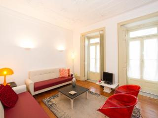 lisbon cozy flat for 6-8 pax - Lisbon vacation rentals