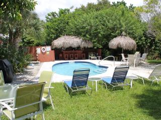 Beach Place, 20% off weekly rentals until 11/21 - Siesta Key vacation rentals