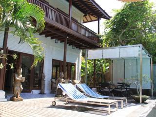 Superb 5bd Villa - Sanur beach walk - Rate for 4ps - Sanur vacation rentals