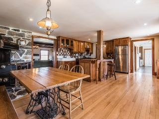 100 Acre Stone Farmhouse in Elgin - Montreal vacation rentals
