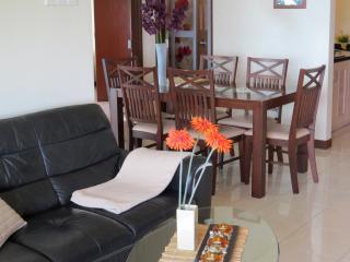 MIAMI GREEN MEMORABLE PLACE, PROMOTION! - Batu Ferringhi vacation rentals