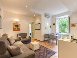 just renewed! Luxury Apartment Coliseum. WIFI - Rome vacation rentals