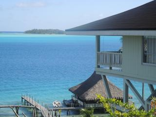 BEAUTIFUL LAGOONFRONT VILLA IN BORA BORA - Bora Bora vacation rentals