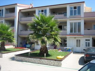 Apartment A12, type 4+2 - Privlaka vacation rentals