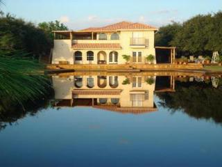 4 bedroom 3 bath home located on 18 acres in Fabulous Rockport! - Rockport vacation rentals
